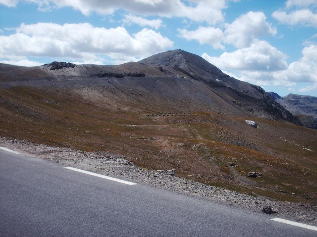 Cime de la Bonette vue depuis le versant Nord (photo alpes4ever)