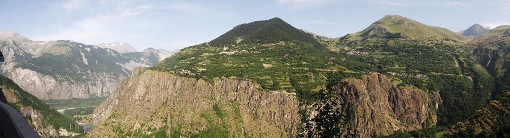 Panorama 4 étoiles sur Auris-en-Oisans et le Col de Maronne