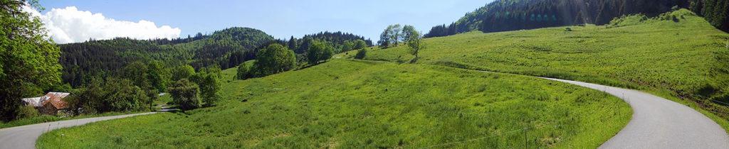 Dernier lacet dans le final du versant Lullin pour atteindre le Col des Arces (photo Alpes4ever).