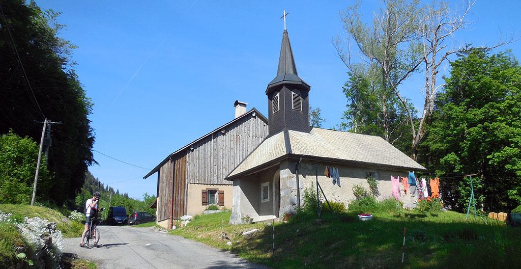 Une petite chapelle viendra animer le final (photo Alpes4ever).